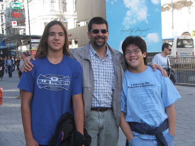 2006 -- Aug -- Dave, Nathan, Daniel in Vienna
